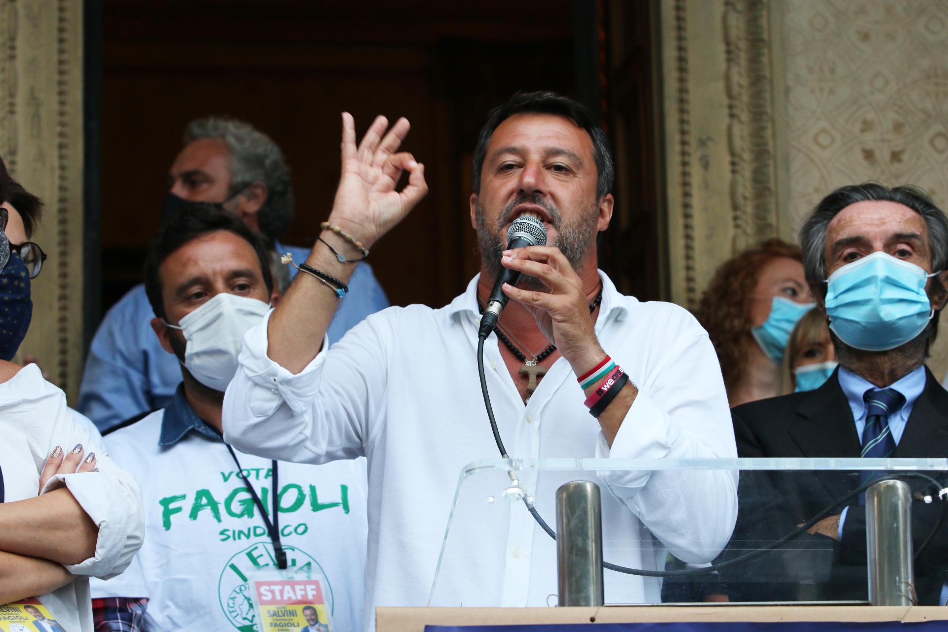 Elezioni Saronno candidato sindaco Alessandro Fagioli con Salvini
